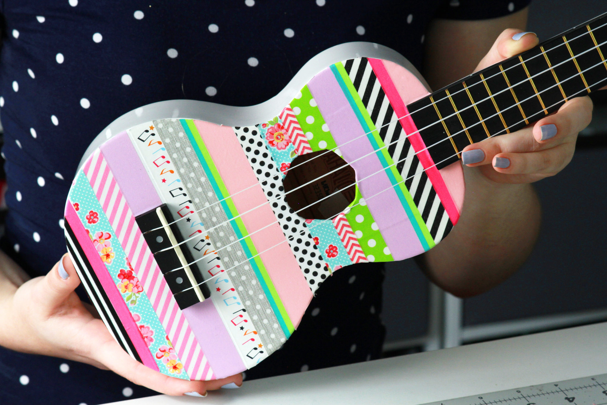 30 Minute Ukulele Decorating Challenge With Andrew Huang