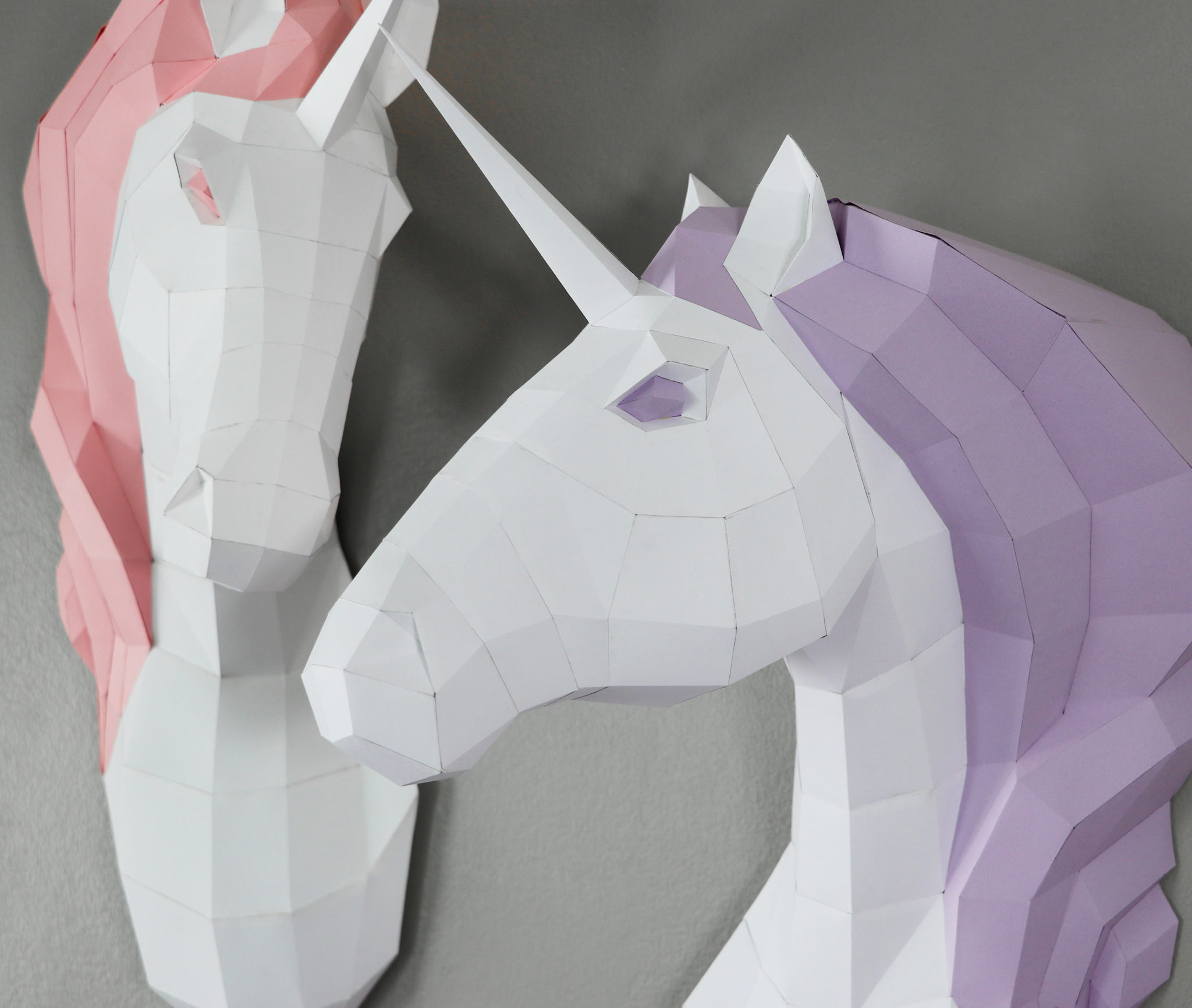 two_unicorns_closeup