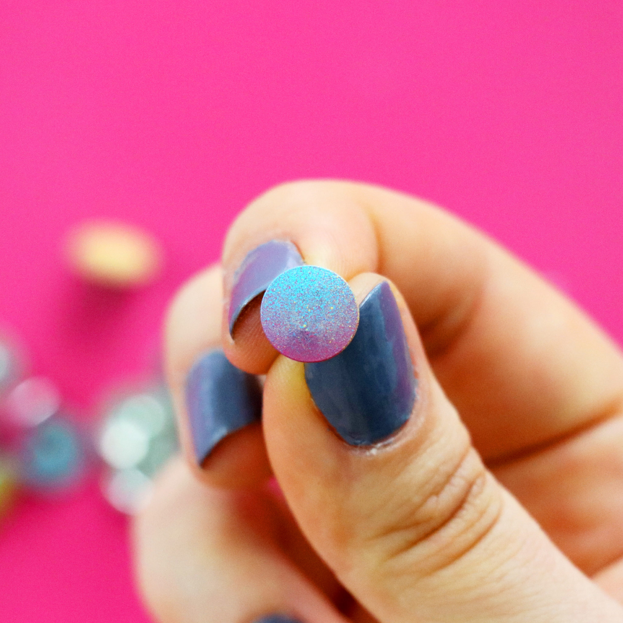thumbtack_closeup