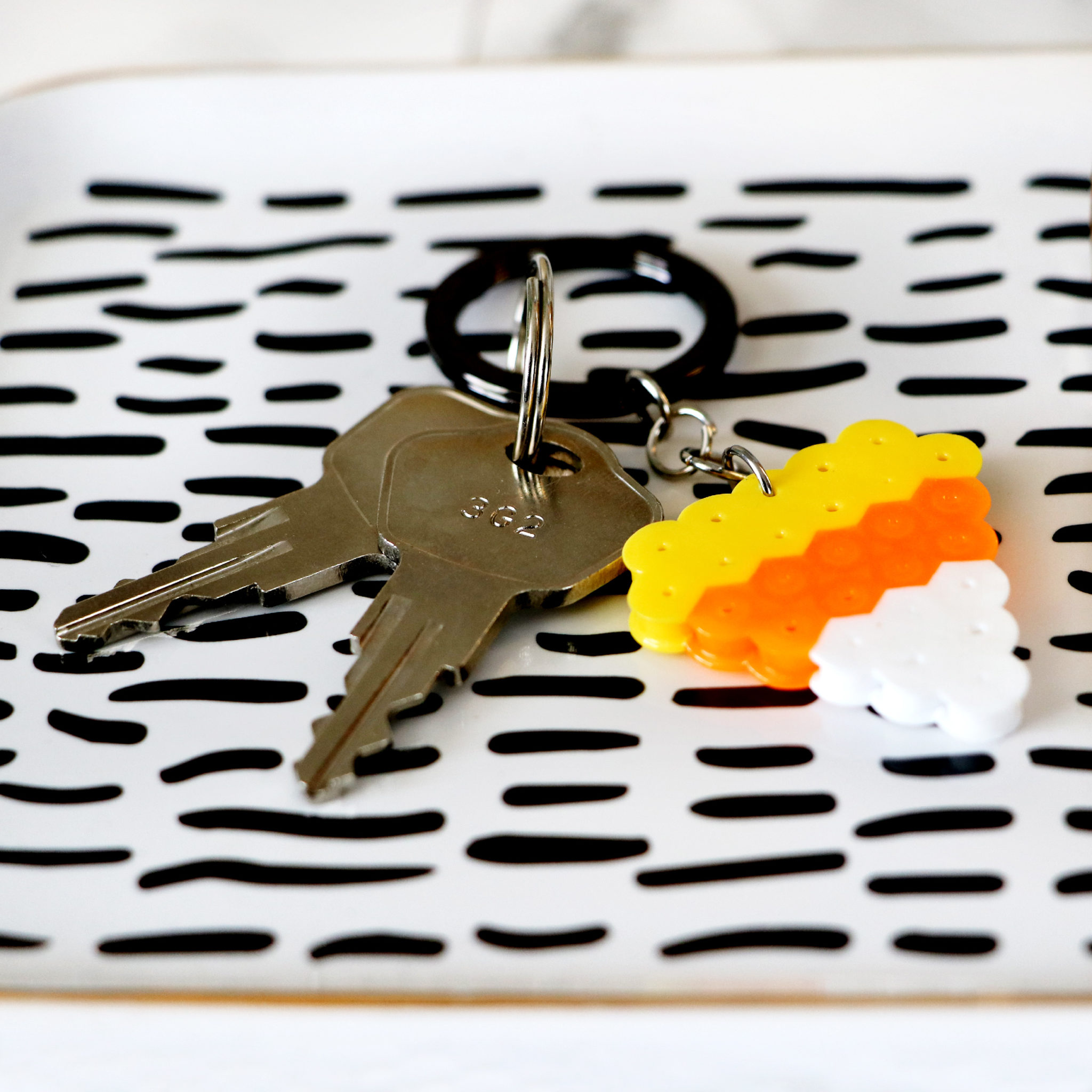 candy_corn_key_chain_side