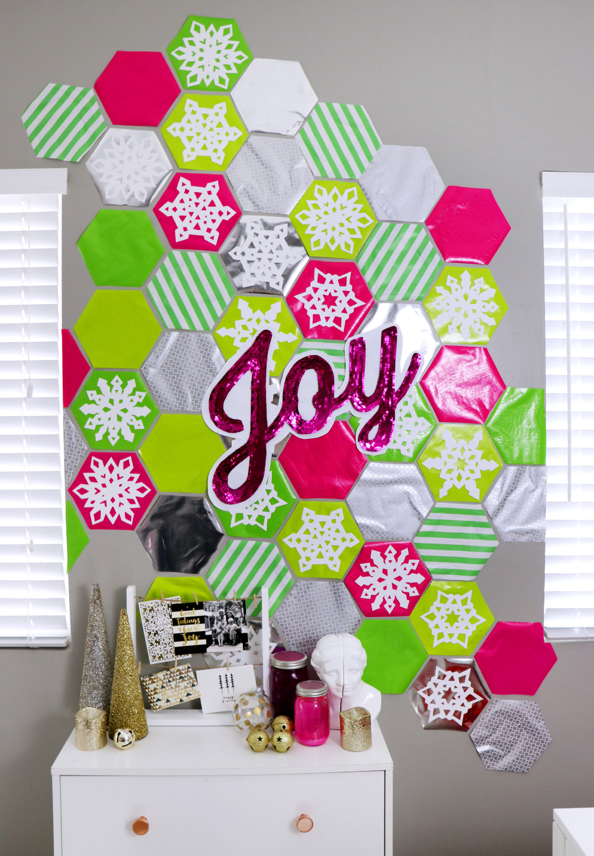 DIY Cheap Oversized Christmas Decorations