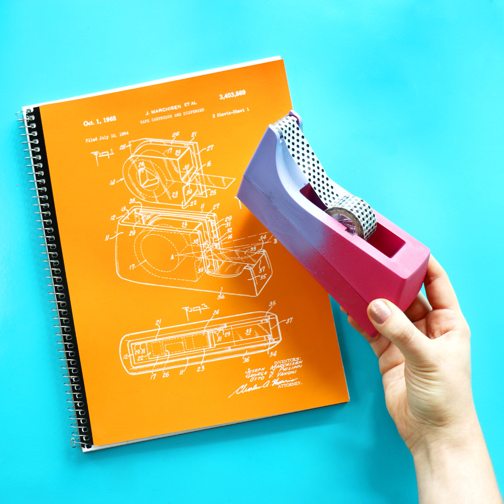 tape_notebook_with_dispenser