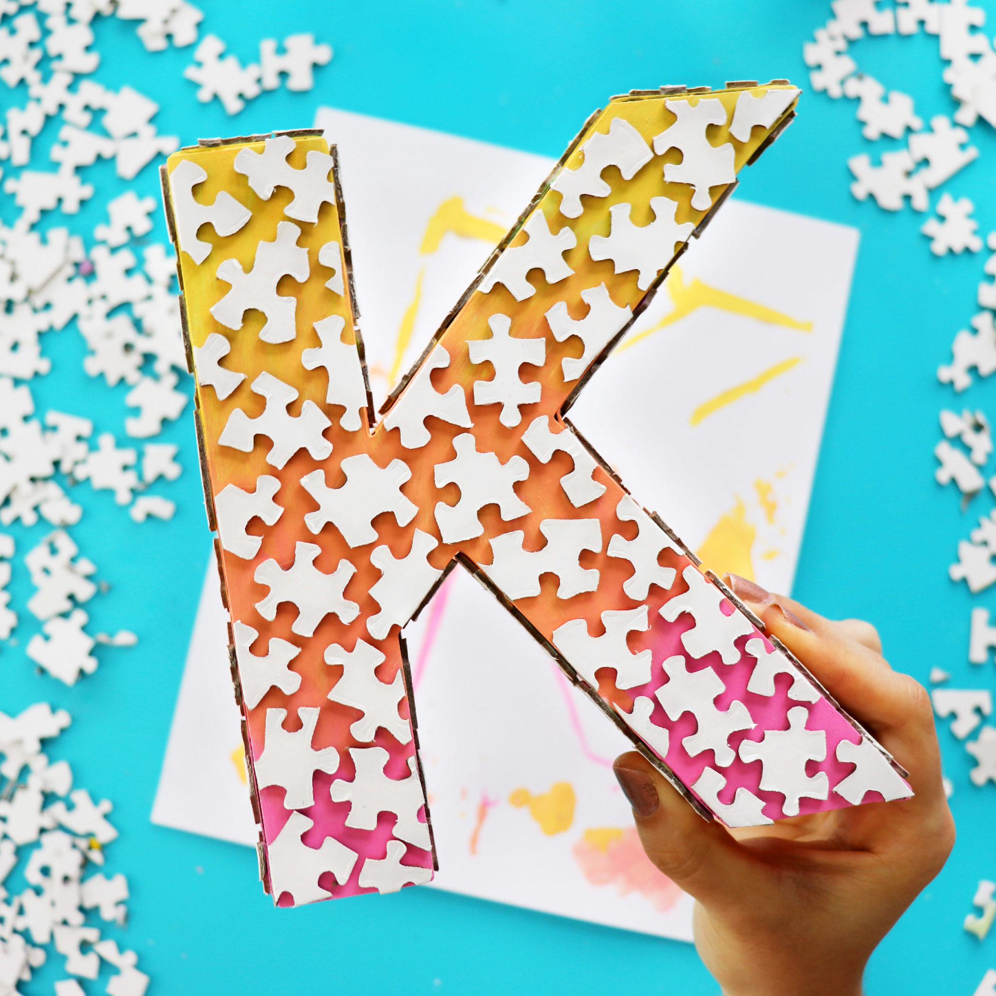 Diys To Make From Old Jigsaw Puzzles